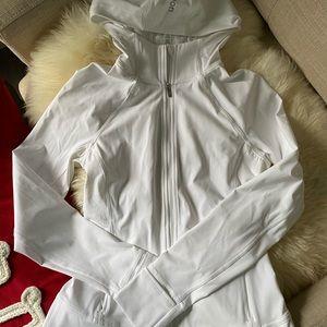 Lululemon hooded refine Jacket- 6
